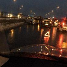 Kelyje Vilnius-Klaipėda – masinė avarija: susidarė spūstis
