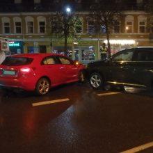 "Kauno centre ""Mercedes-Benz"" trenkėsi į ""Lexus"", abu vairuotojai neblaivūs"