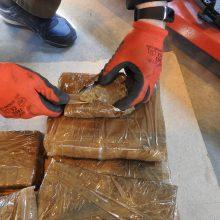 Iš Ispanijos grįžtančio verslininko automobilyje – dešimtys kilogramų hašišo