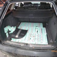 Lenkijos pilietis iš Lietuvos vežėsi beveik 2 tūkst. pakelių nelegalių rūkalų