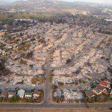 Per katastrofiškus Kalifornijos gaisrus žuvo 21 žmogus