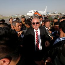 Per sprogimą Afganistano oro uoste žuvo mažiausiai 16 žmonių
