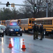 Merilande per šaudymą mokykloje sužeisti du žmonės, šaulys negyvas
