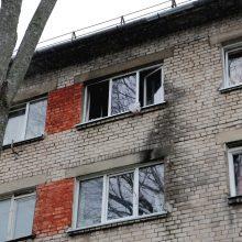 Į gaisrą atvykę ugniagesiai rado vyro lavoną