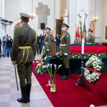 Iškilmingos A. Ramanausko-Vanago laidotuvės supykdė Rusiją