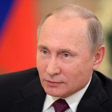 V. Putinas lieka ištikimas savo įpročiui vėluoti