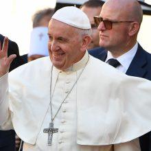 Popiežiaus vizitas pratuštins ir Bažnyčios piniginę