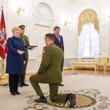 Šimtmečio proga nusipelniusiems kariams – prezidentės apdovanojimai