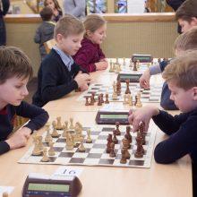 Dalis mokyklų integruos šachmatus į pradinukų pamokas