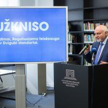 Dėl prezidento posto kovosiantis V. Mazuronis negaili kritikos D. Grybauskaitei