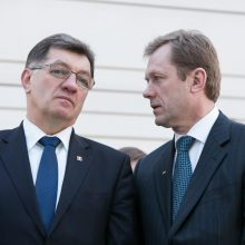 Premjeras barė kultūros ministrą