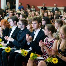 Dvidešimčiai geriausių abiturientų skirtos Signatarų stipendijos