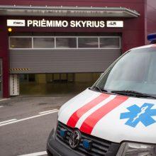Vilniaus centre iš penkto aukšto iškrito mergaitė