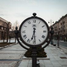 ES klausia piliečių, ar jie nori atsisakyti laikrodžių sukinėjimo