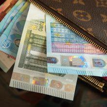 Apklausa: lietuviai savo ekonominę padėtį vertina optimistiškiausiai ES