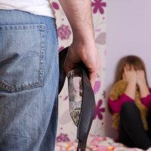 Smurtas prieš vaikus tęsiasi: joks įstatymas nesulaikys nuo įtūžio?