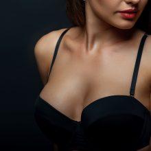 Žiūrėjimas į krūtis ir kiti 4 būdai, pailginantys vyrų gyvenimą