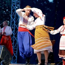 """Spalvingiausias savaitės akcentas – gatvės teatrų festivalis """"Šermukšnis"""" <span style=color:red;>(programa)</span>"""