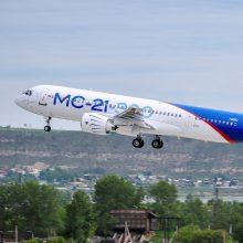 JAV gali netiekti variklių naujiesiems Rusijos oro laineriams