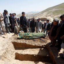 Trims broliams nukirstos galvos, dėl egzekucijos kaltinama IS