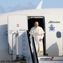 Airijoje viešintis popiežius pripažino skausmą ir gėdą dėl lytinio išnaudojimo