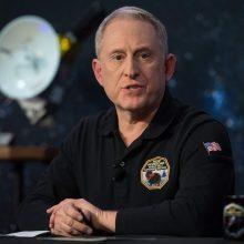 Istorinis NASA zondo praskriejimas pro tolimą šaltą pasaulėlį pavyko
