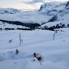 Šveicarijoje nuslinkus lavinai, žuvo mažiausiai vienas žmogus