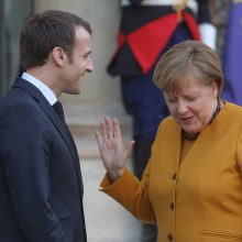 A. Merkel atsiriboja nuo E. Macrono vizijos Europai