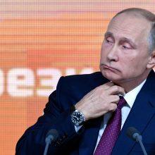 V. Putinas kasmetinėje konferencijoje žarstė pažadus ir teigė pavargęs nuo blefo
