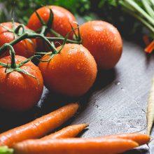 Pirkėjai nori lietuviškų daržovių, ūkininkai su nerimu laukia derliaus