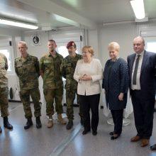 Lankydama karius Rukloje A. Merkel vengė vokiško militarizmo ženklų