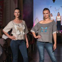 Podiumu žengė kurtieji: drabužių kolekcija siunčiama svarbi žinutė