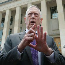 Pentagono vadovas: į JAV rinkimus galėjo kištis ne vien Rusija