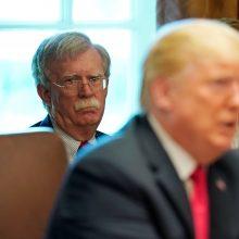 """D. Trumpo patarėjas: Irano branduolinis susitarimas – """"apgailėtinas"""""""