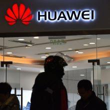 """Seimo nariai sunerimo dėl """"Huawei"""" – kreipėsi į VSD"""