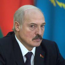 A. Lukašenka nurodė per parą panaikinti naktinės prekybos alkoholiu apribojimus