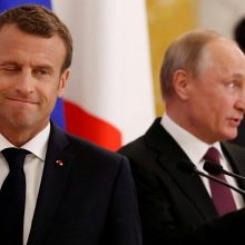 E. Macronas: Paryžiaus dialogas su Rusija ir JAV atspindi jo nepriklausomą politiką