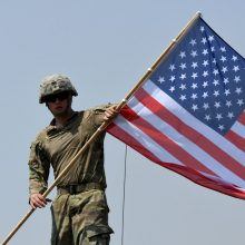 JAV Senatas patvirtino daugiau nei 700 mlrd. dolerių gynybos biudžetą