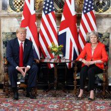 Th. May: Londonas ir Vašingtonas sieks ambicingo prekybos susitarimo