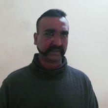Pakistano taikos gestas Indijai: penktadienį paleis sulaikytą pilotą