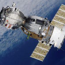 Rusija pasipiktino pranešimu apie mėginimą šnipinėti Prancūzijos palydovą