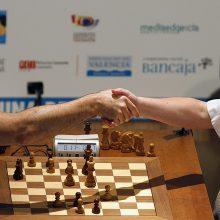 """Po 12 metų sugrįžta """"šachmatų dievas"""" G. Kasparovas"""