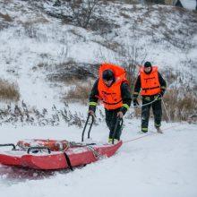 Nelaimė Trakuose: Galvės ežere įlūžo žmogus
