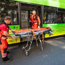 Po staigaus troleibuso manevro kaunietė atsidūrė ligoninėje