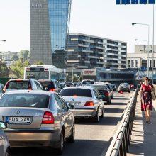 Keliaujančiųjų ir vairuotojų dieną skatina toleranciją keliuose