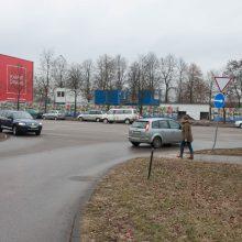 """Posūkis: išvažiuojant iš """"River Mall"""" prekybos centro, bus galima sukti tik į dešinę."""