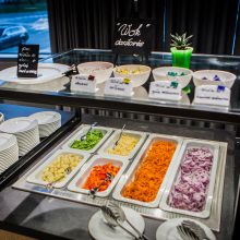 """""""Fresh Buffet / Medžiotojų užeiga"""" – naujas požiūris į maistą ir valgymo kultūrą"""