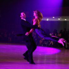 """Karjera: J. ir D.Mosteikos – prestižinio JAV """"Ohio Star Ball"""" sportinių šokių konkurso dalyviai."""