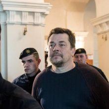 100 mln. dolerių sukčiavimu kaltinamą E. Rimašauską išsigabeno JAV pareigūnai