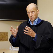 Vienintelis: kaltininkai teisme nepasirodė, posėdyje dalyvavo tik E.Abariaus gynėjas advokatas Marius Navickas.